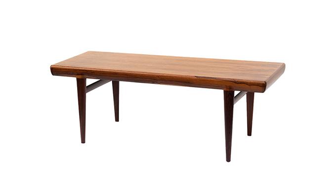 Mesa de centro en palosanto by Johannes Andersen