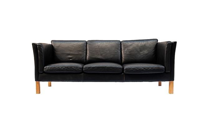 Sofá de piel escandinavo
