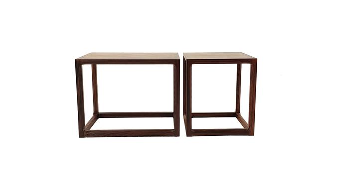 Parejas mesas auxiliares en palosanto
