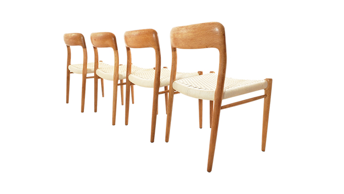 Set de 4 sillas en roble N.O. Moller