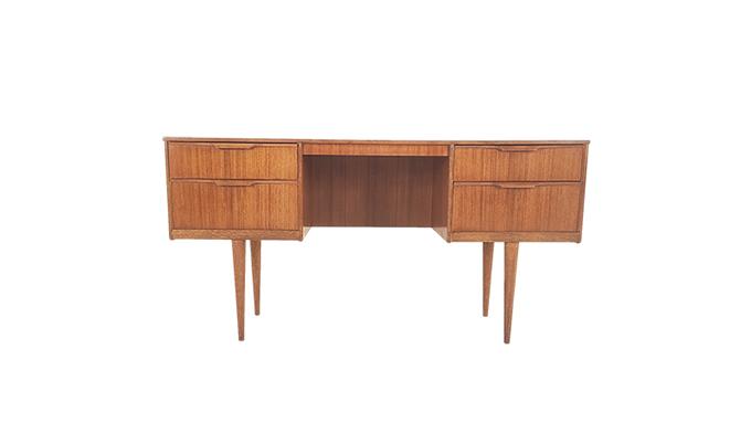 Mesa de escritorio en teca, de Austinsuite